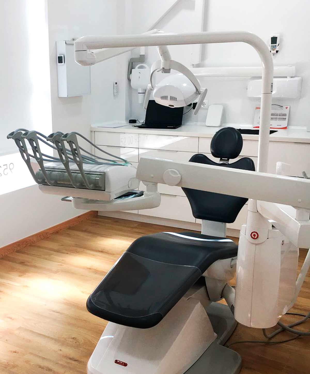 Limpieza dental profesional en Torremolinos
