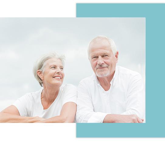 Personas mayores con prótesis dentales