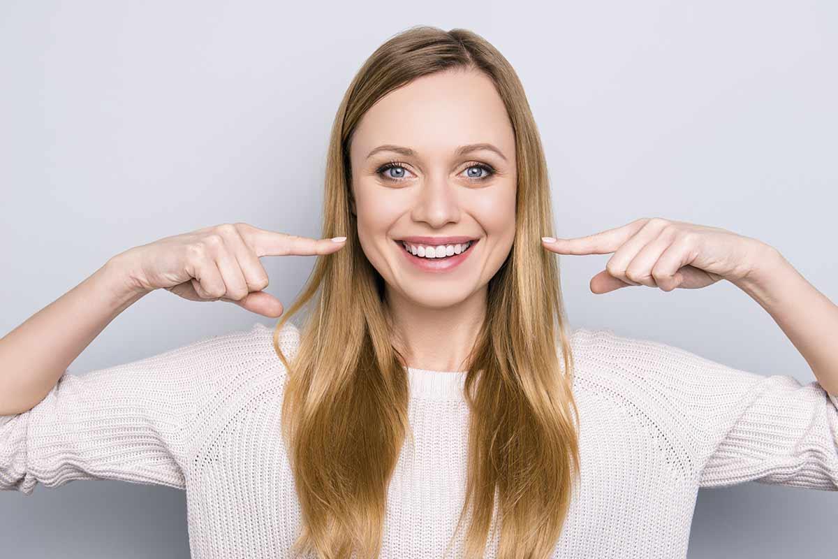 Quiero cambiar la forma de mis dientes, ¿cómo puedo hacerlo?