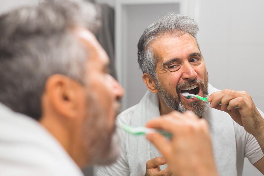¿Cómo cuido mis implantes dentales?